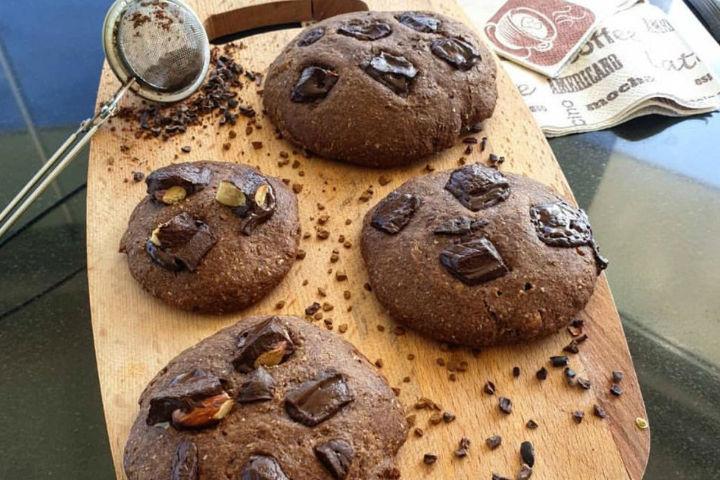 https://yemek.com/tarif/kahveli-cikolatali-kurabiye/ | Kahveli Çikolatalı Kurabiye Tarifi