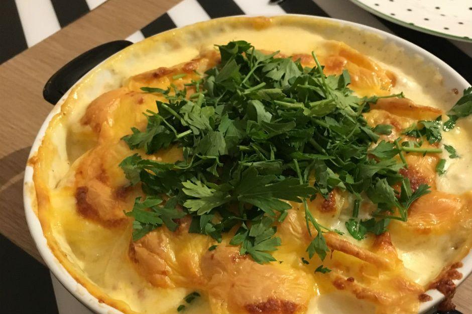 https://yemek.com/tarif/kolay-patates-graten/ | Kolay Patates Graten Tarifi
