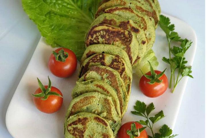 https://yemek.com/tarif/yesil-pancake/ | Yeşil Pancake Tarifi