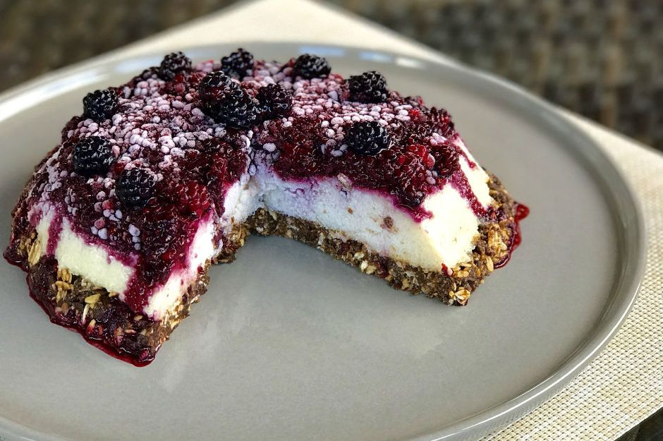 https://yemek.com/tarif/blackberry-cheesecake/ | Blackberry Cheesecake Tarifi