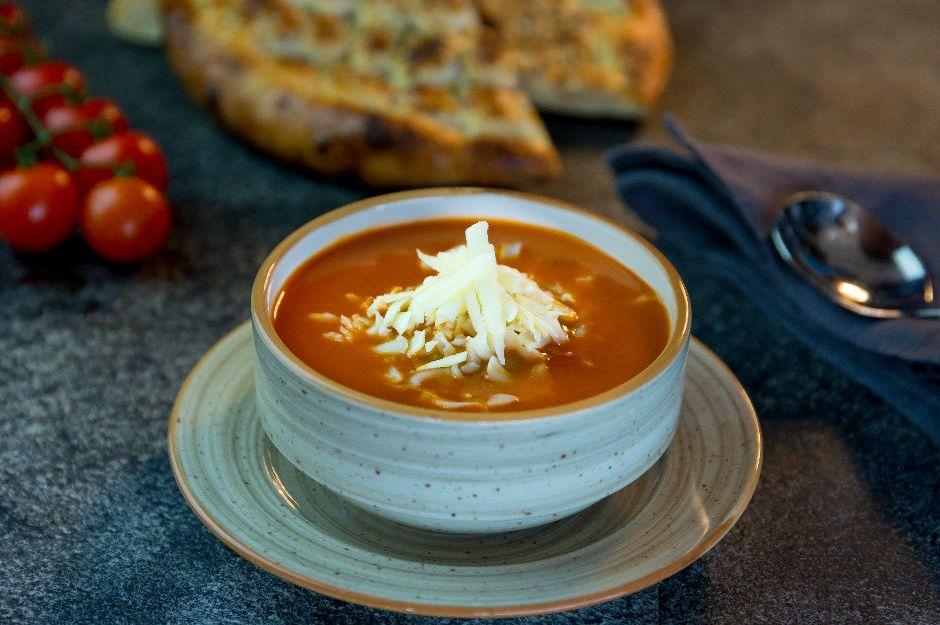 https://yemek.com/tarif/kolay-domates-corbasi/#.XWSl45NKjOQ | Kolay Domates Çorbası Tarifi
