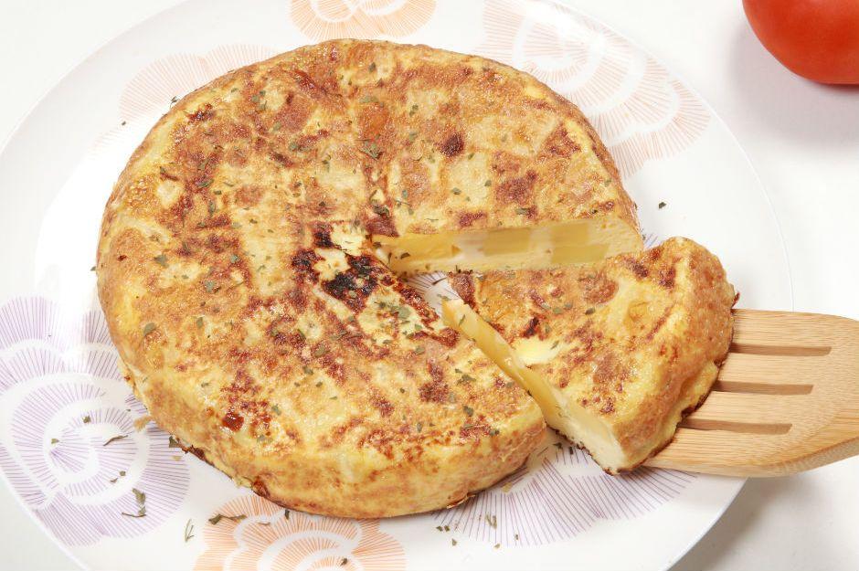https://yemek.com/tarif/patatesli-omlet-boregi/ | Patatesli Omlet Böreği Tarifi