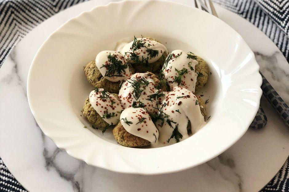https://yemek.com/tarif/saglikli-falafel/ | Sağlıklı Falafel Tarifi