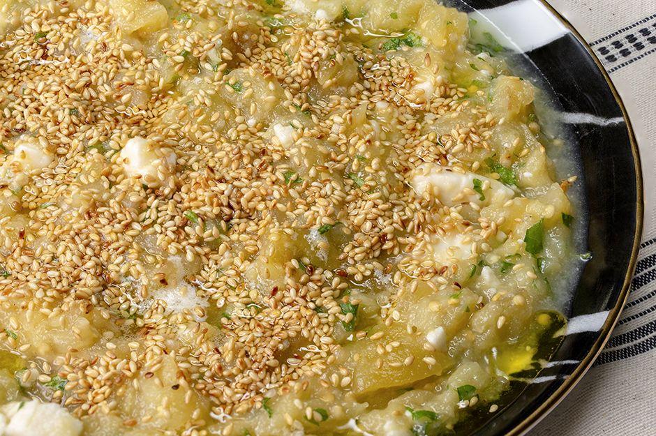 https://yemek.com/tarif/balli-ve-peynirli-koz-patlican/ | Ballı ve Peynirli Köz Patlıcan Tarifi