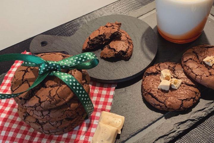 https://yemek.com/tarif/cikolatali-brownie-kurabiye/   Çikolatalı Brownie Kurabiye Tarifi