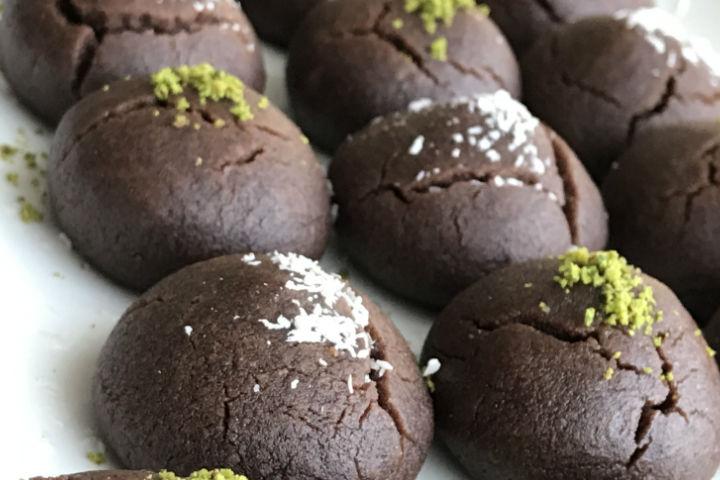 https://yemek.com/tarif/kolay-brownie-kurabiye/ | Kolay Brownie Kurabiye Tarifi