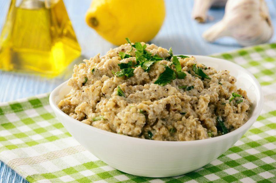 https://yemek.com/tarif/koz-patlican-mezesi/ | Köz Patlıcan Mezesi Tarifi