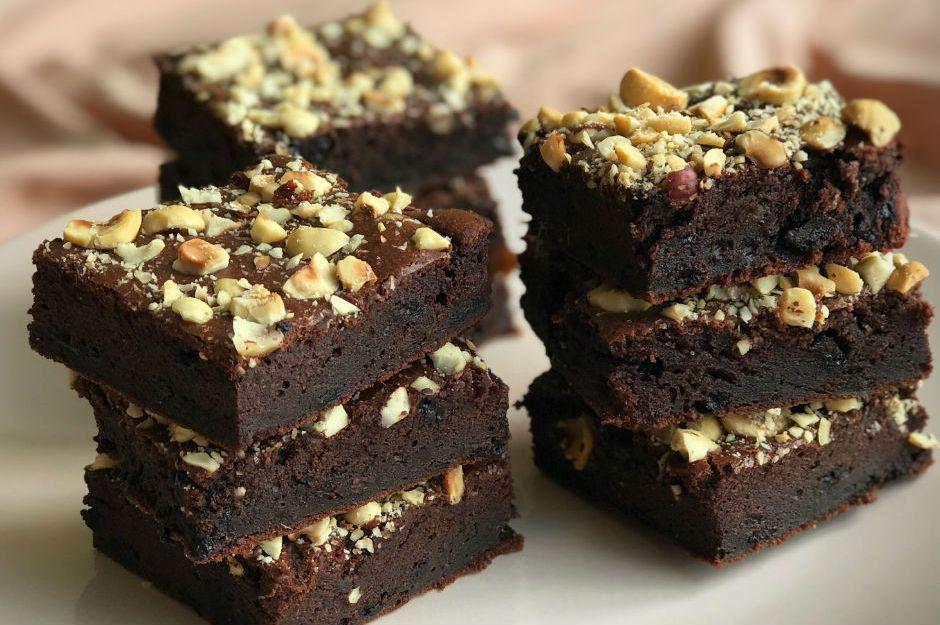 https://yemek.com/tarif/saglikli-brownie/ | Sağlıklı Brownie Tarifi