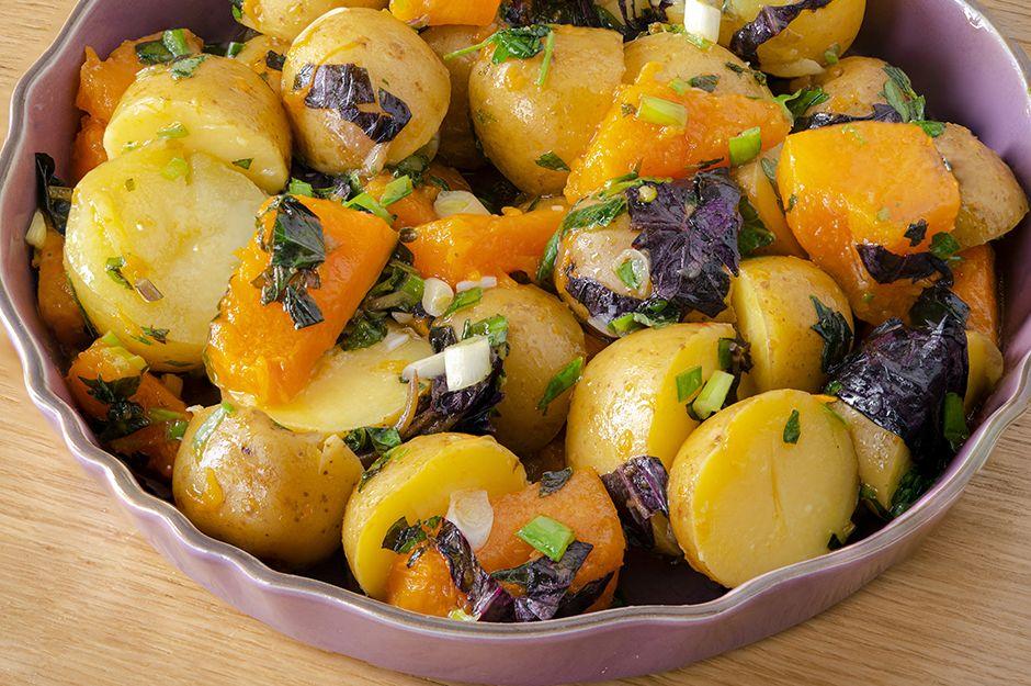 https://yemek.com/tarif/bal-kabakli-patates-salatasi/ | Bal Kabaklı Patates Salatası Tarifi