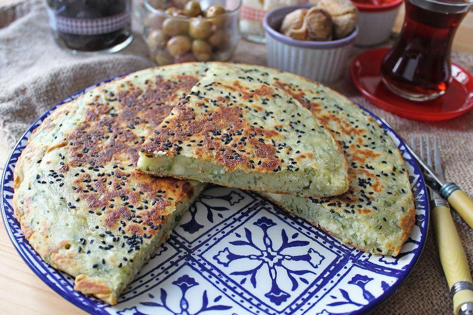 https://yemek.com/tarif/10-dakikada-hamursuz-kahvaltilik/ | 10 Dakikada Hamursuz Kahvaltılık Tarifi