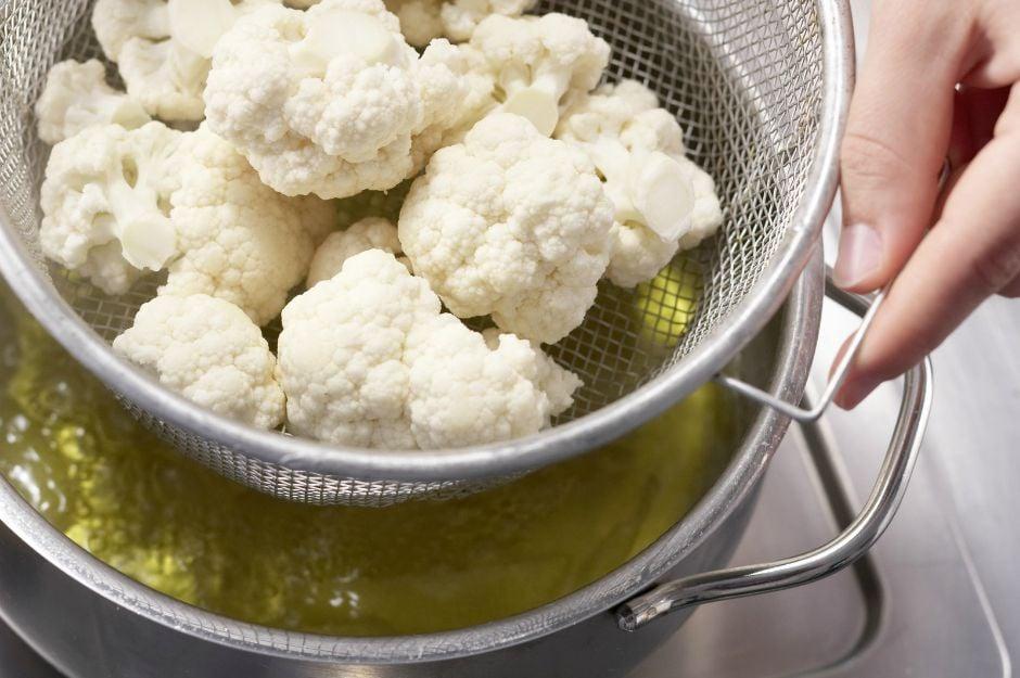 https://eatsmarter.com/recipes/steamed-cauliflower | eatsmarter
