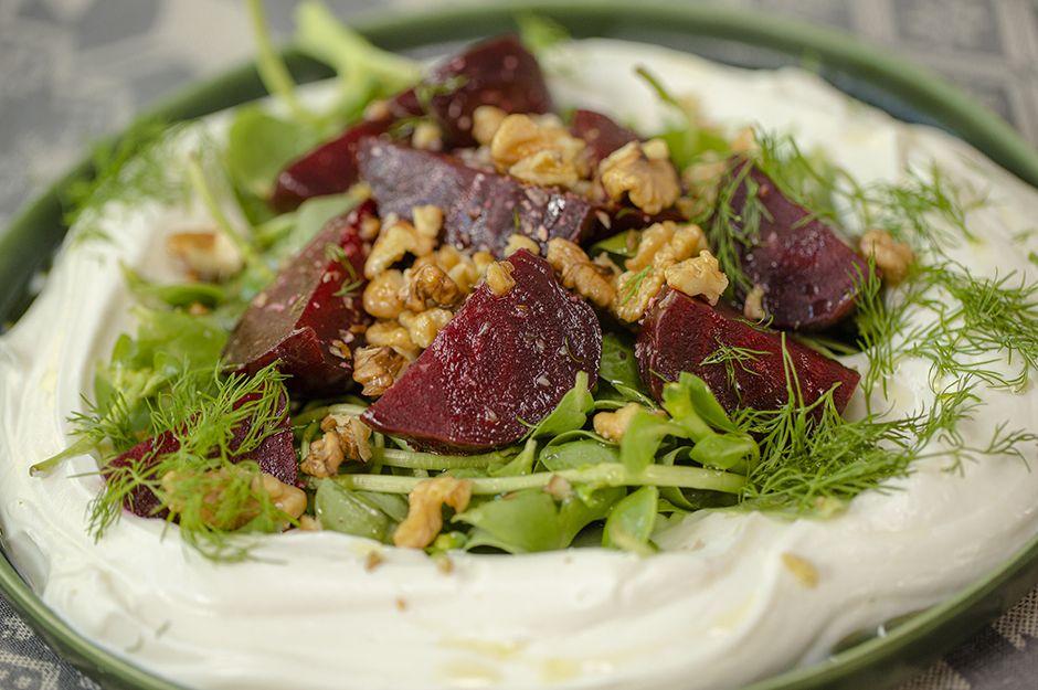https://yemek.com/tarif/yogurtlu-semizotlu-pancar-salatasi/ |  Yoğurtlu Semizotlu Pancar Salatası