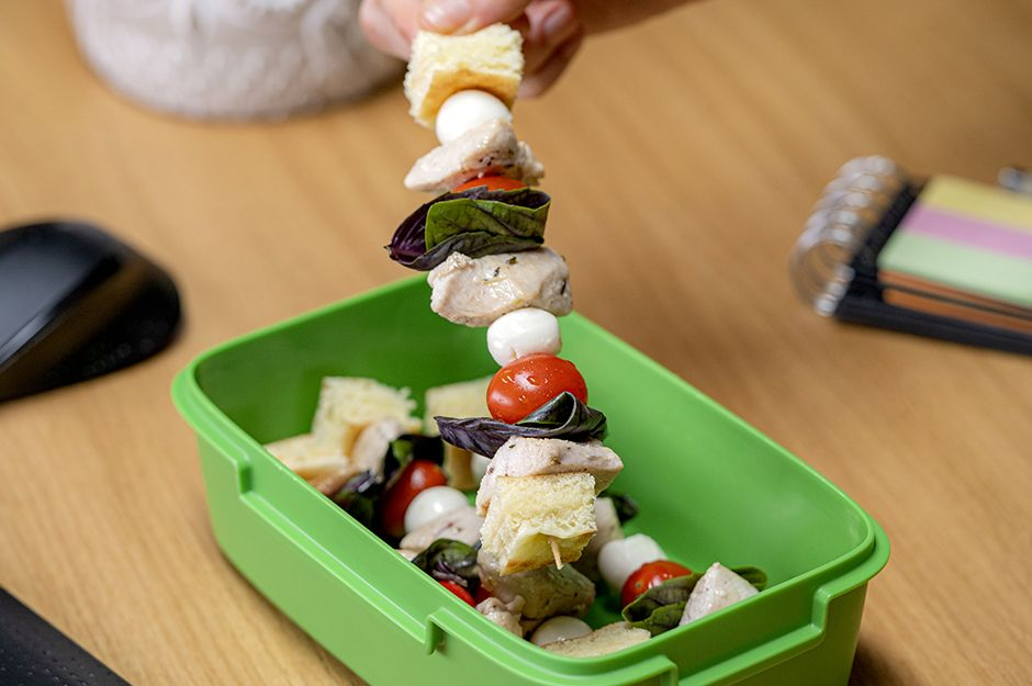 siste-tavuk-sandvic-yemekcom