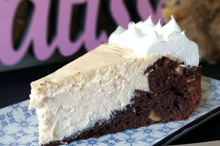 https://yemek.com/tarif/magmacheesecake/   Magma Cheesecake Tarifi