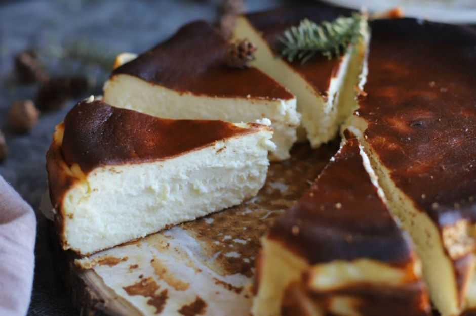 https://yemek.com/tarif/san-sebastian-cheesecake-7/ | San Sebastian Cheesecake Tarifi
