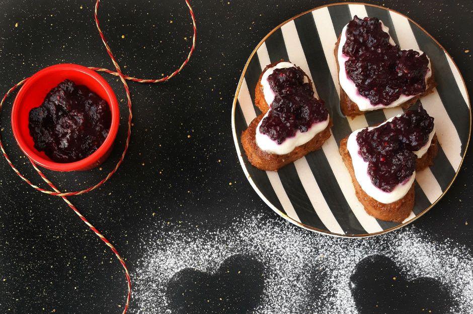 https://yemek.com/tarif/tatli-eksi-mini-cheesecake/ | Tatlı Ekşi Mini Cheesecake Tarifi