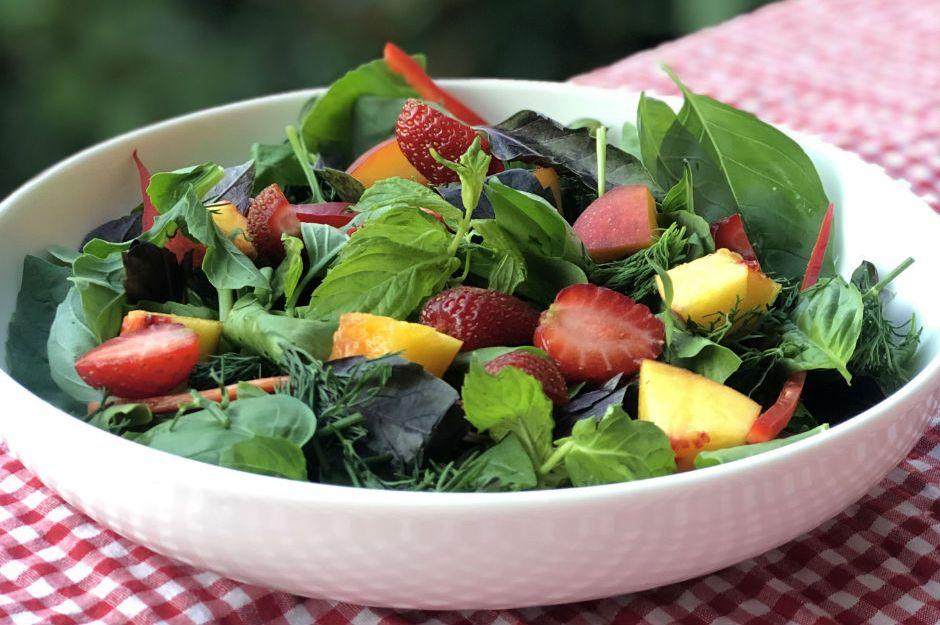 https://yemek.com/tarif/yaz-salatasi/ | Yaz Salatası Tarifi