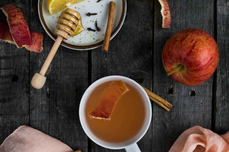 https://reclaimingyesterday.com/apple-peel-tea/ | reclaimingyesterday
