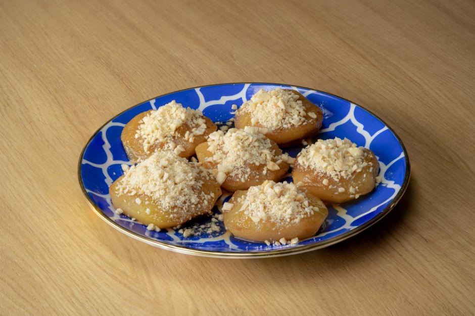 https://yemek.com/tarif/firin-posetinde-elma-tatlisi/ | Fırın Poşetinde Elma Tatlısı Tarifi