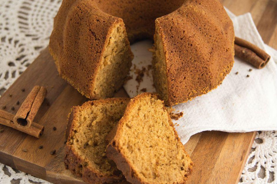 https://yemek.com/tarif/tarcinli-kolay-kek/ | Tarçınlı Kolay Kek Tarifi