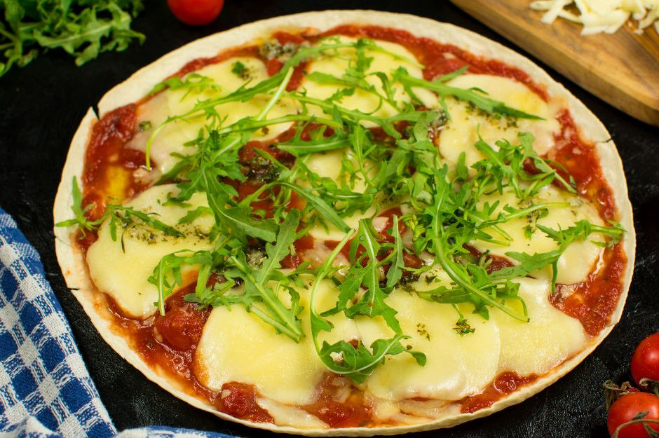 bol-peynirli-lavas-pizza