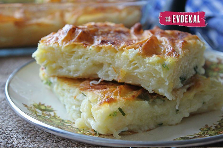 Çayın Yanına Ekonomik Lezzetler Arayanlar İçin 13 Pratik Peynirli Börek Tarifi