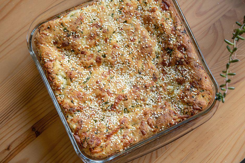 https://yemek.com/tarif/peynirli-buzluk-coregi/ | Peynirli Buzluk Çöreği Tarifi