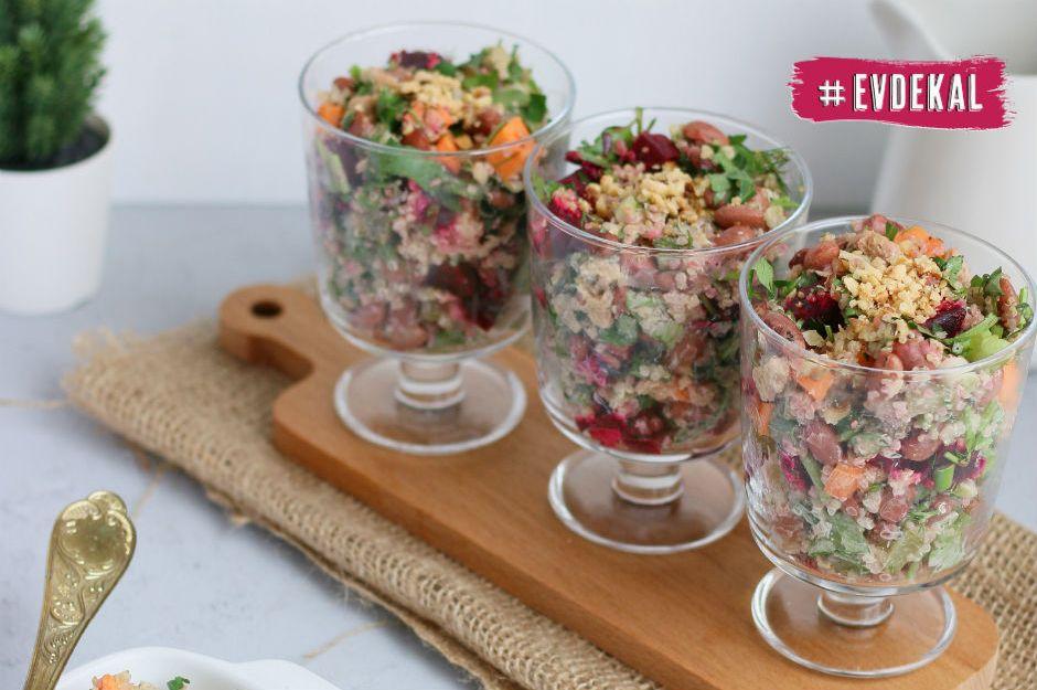 https://yemek.com/tarif/kirmizi-fasulyeli-ton-balikli-salata/ | Kırmızı Fasulyeli Ton Balıklı Salata Tarifi