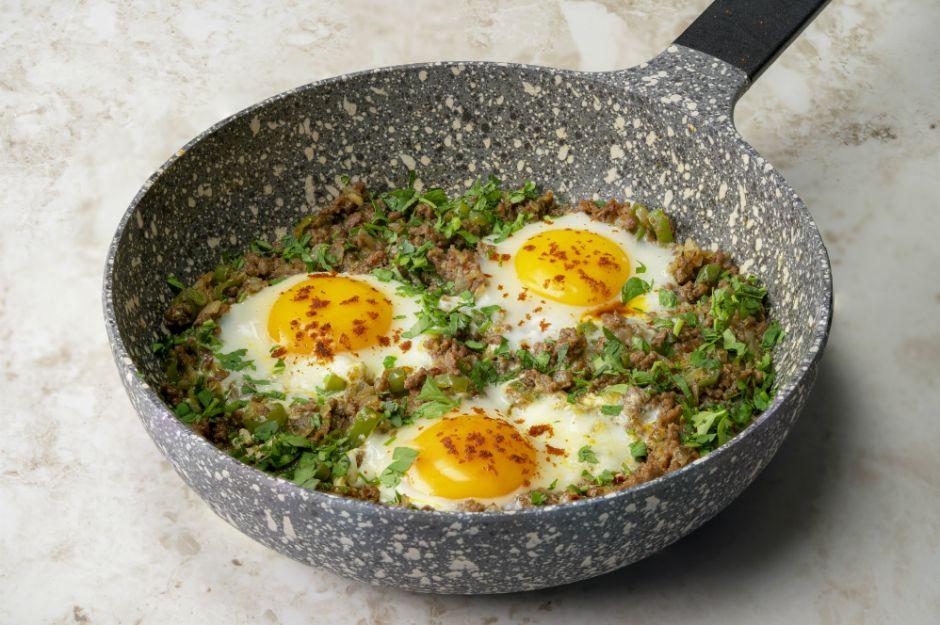 kiymali-yumurta-tarifi-comp