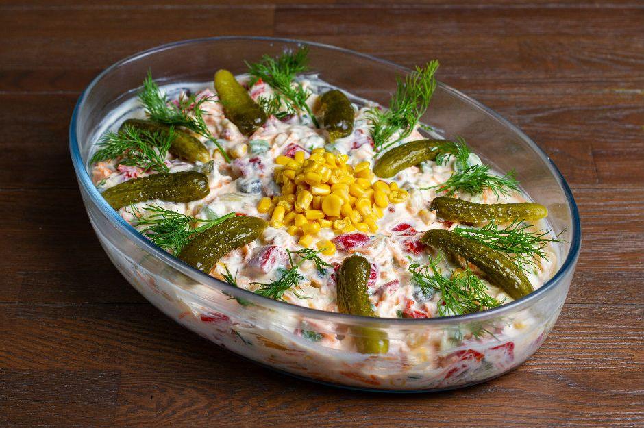https://yemek.com/tarif/koz-biberli-patates-salatasi/   Köz Biberli Patates Salatası Tarifi