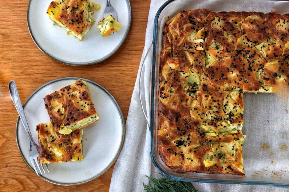 https://yemek.com/tarif/patatesli-kek-3/ | Patatesli Kek Tarifi