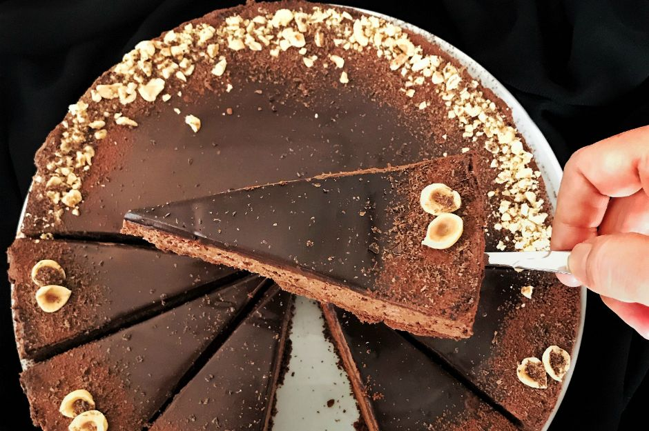 https://yemek.com/tarif/cikolatali-pismeyen-cheesecake/ | Çikolatalı Pişmeyen Cheesecake Tarifi