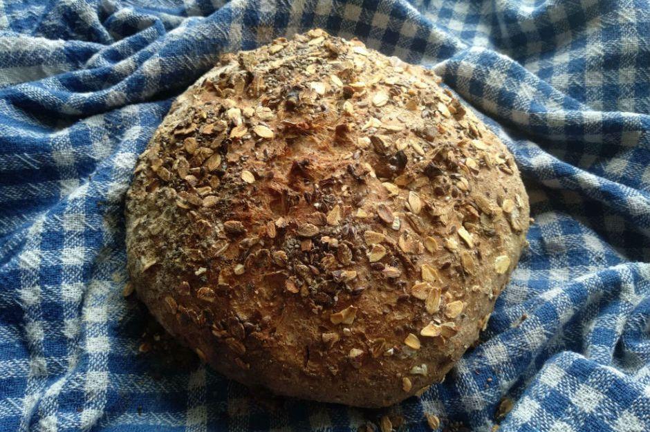 https://yemek.com/tarif/tam-bugday-unlu-tahilli-ekmek/ | Tam Buğday Unlu Tahıllı Ekmek Tarifi