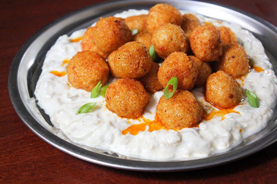 https://yemek.com/tarif/yogurtlu-patlicanli-bulgur-koftesi/ | Yoğurtlu Patlıcanlı Bulgur Köftesi Tarifi