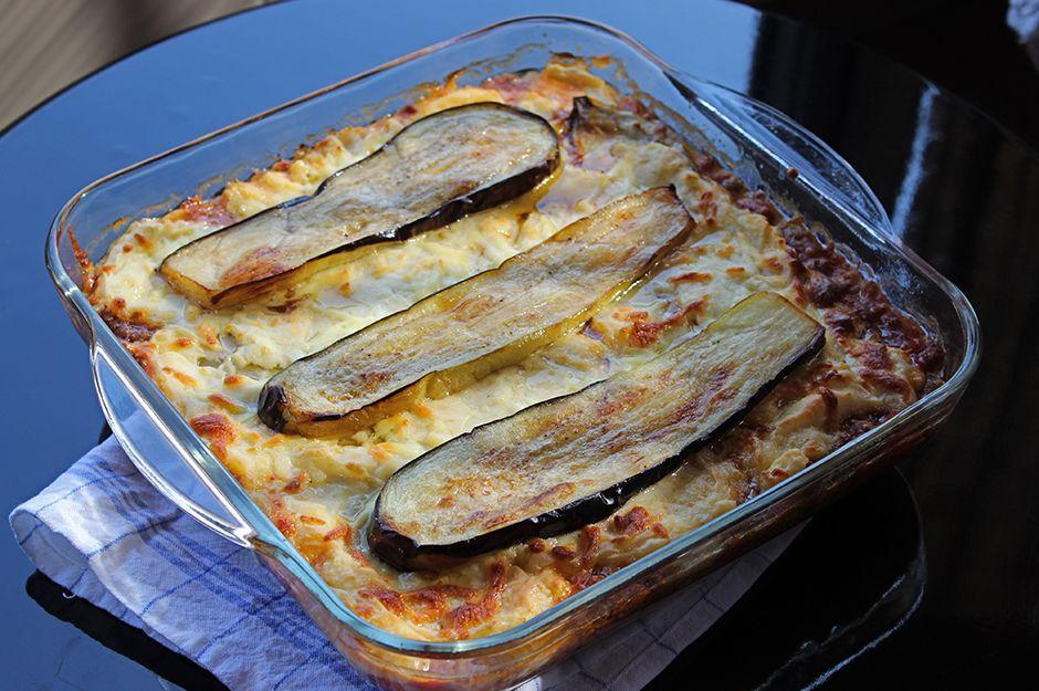 https://yemek.com/tarif/besamel-soslu-patlican/ | Beşamel Soslu Patlıcan Tarifi