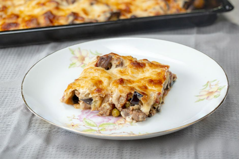 https://yemek.com/tarif/macar-kebabi/ | Macar Kebabı Tarifi