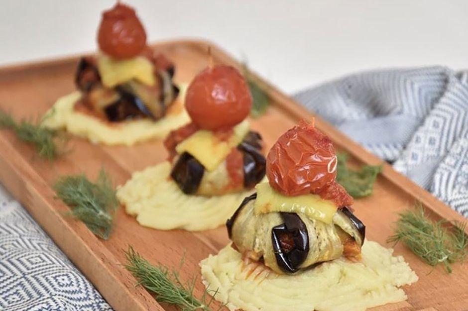 https://yemek.com/tarif/tavuklu-islim-kebabi/   Tavuklu İslim Kebabı Tarifi