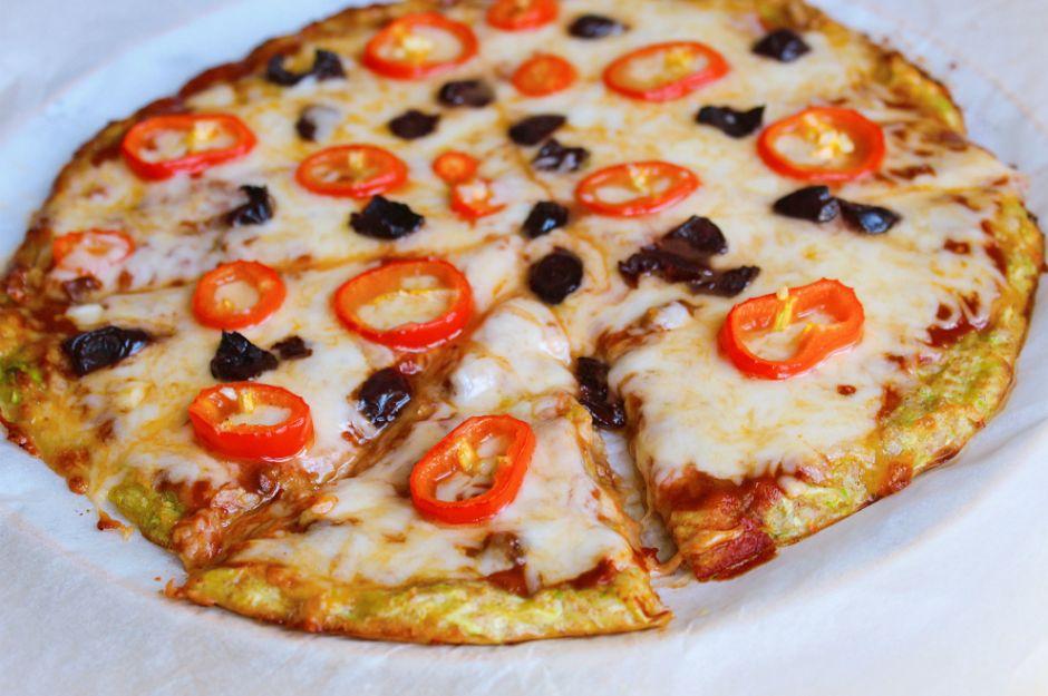 https://yemek.com/tarif/kabak-pizzasi/ | Kabak Pizzası Tarifi