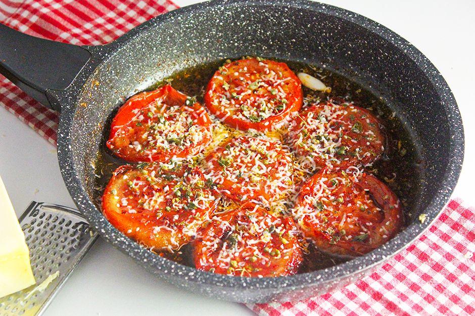 https://yemek.com/tarif/kahvaltilik-domates-tava/ | Kahvaltılık Domates Tava Tarifi