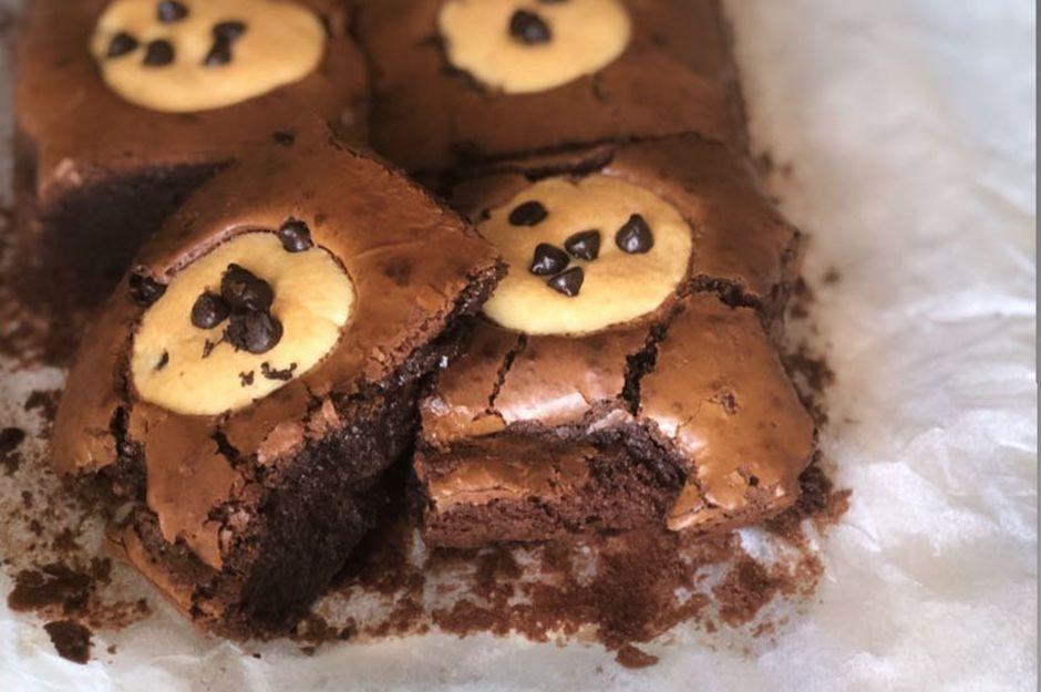 https://yemek.com/tarif/kurabiyeli-brownie   Kurabiyeli Brownie Tarifi