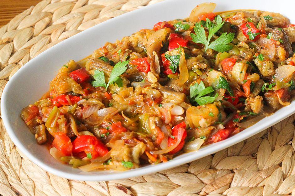 https://yemek.com/tarif/patlican-cullama/ | Patlıcan Çullama Tarifi