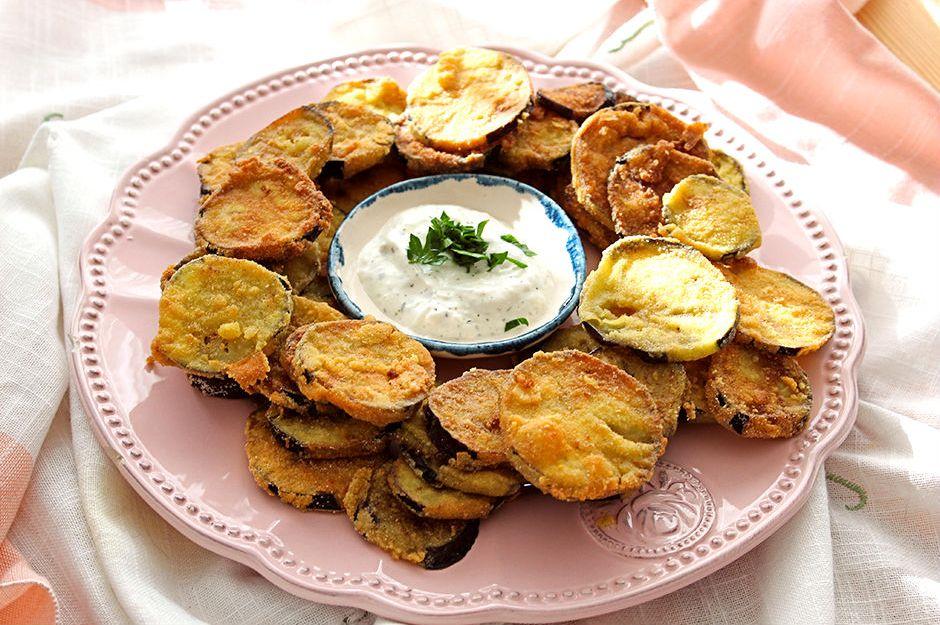 https://yemek.com/tarif/sodali-patlican-kizartmasi/ | Sodalı Patlıcan Kızartması Tarifi