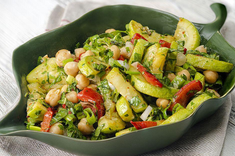 https://yemek.com/tarif/kabakli-nohut-salatasi/   Kabaklı Nohut Salatası Tarifi