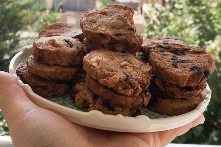 https://yemek.com/tarif/cikolatali-tarcinli-kurabiye-2/ | Çikolatalı Tarçınlı Kurabiye Tarifi