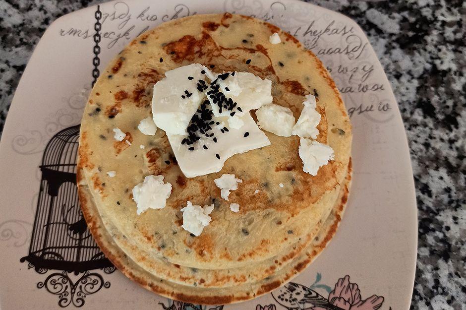 https://yemek.com/tarif/corek-otlu-peynirli-krep-yavrusu/   Çörek Otlu Peynirli Krep Yavrusu Tarifi