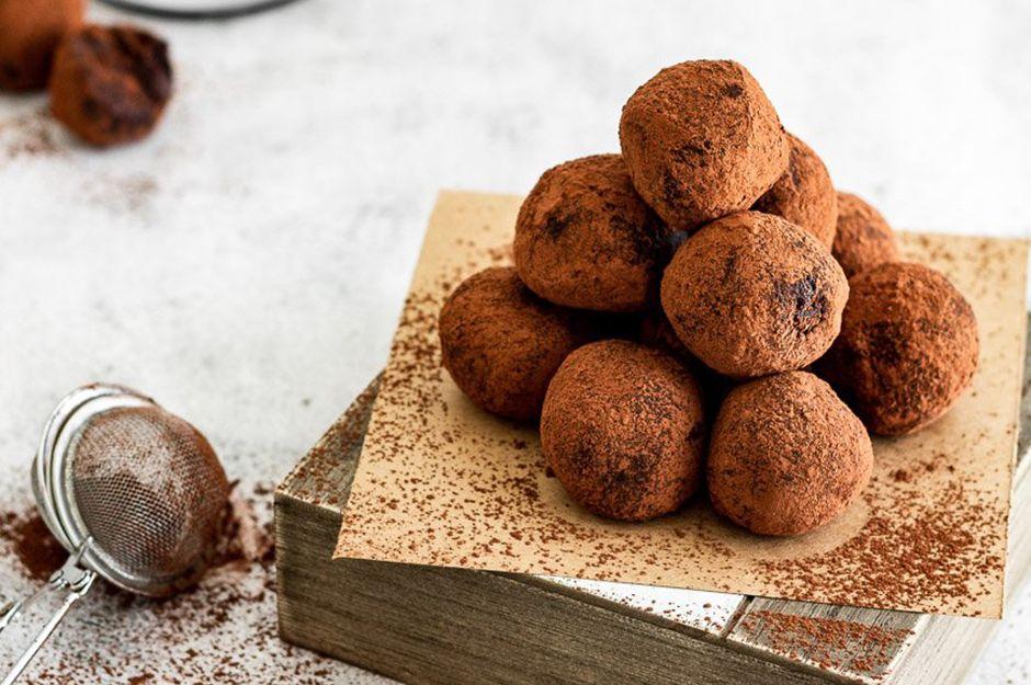 https://yemek.com/tarif/truffles/ | Truffles Tarifi
