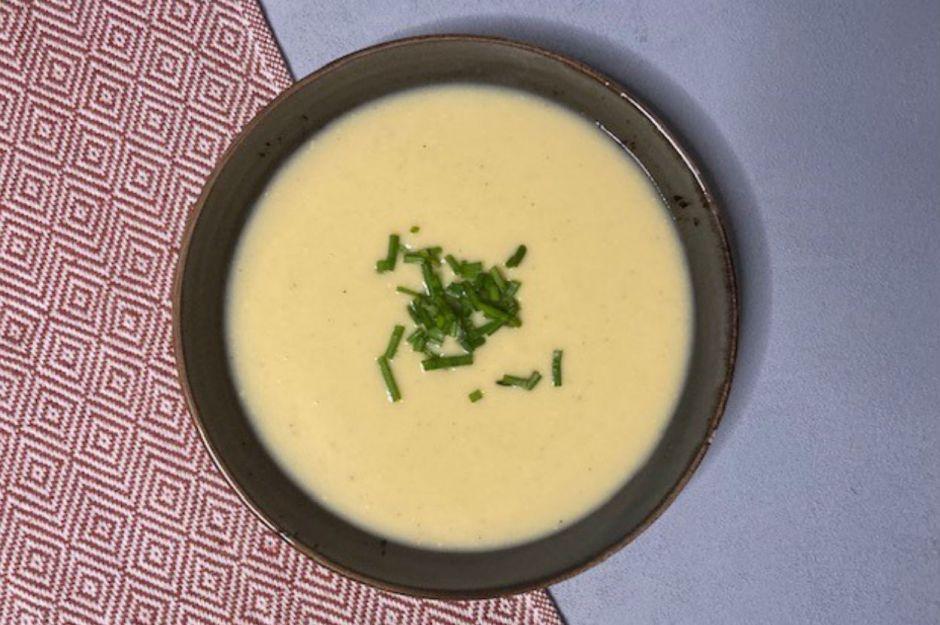 https://yemek.com/tarif/cheddar-peynirli-karnabahar-corbasi/   Cheddar Peynirli Karnabahar Çorbası Tarifi