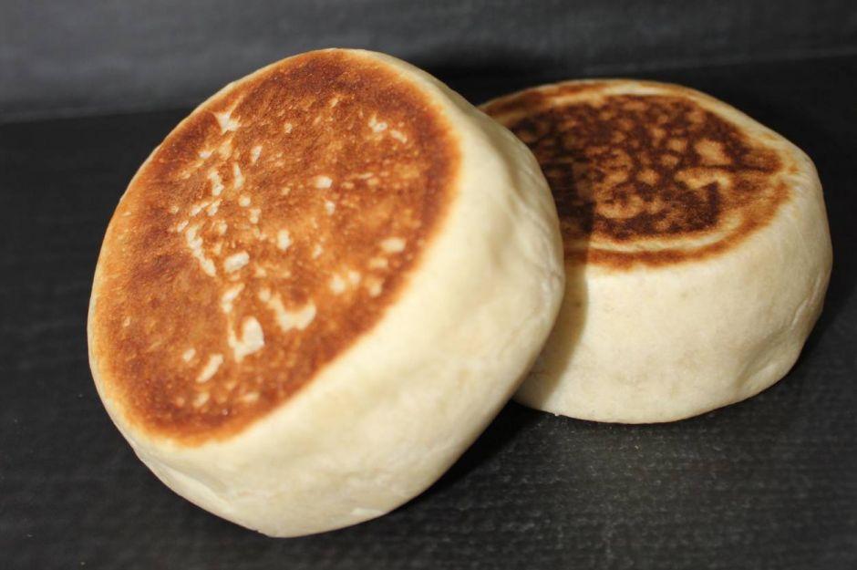 https://yemek.com/tarif/english-muffin/   English Muffin Tarifi
