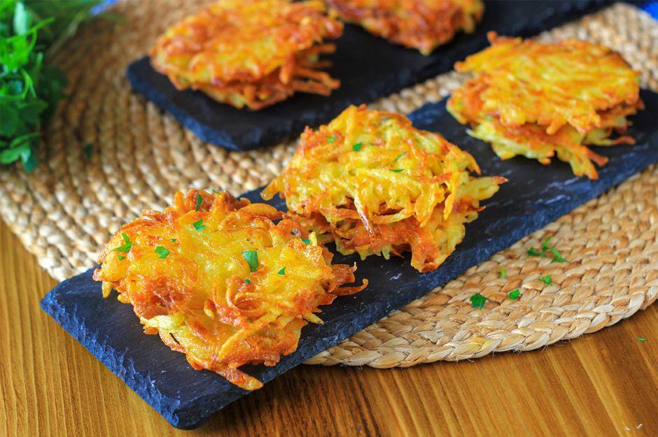 https://yemek.com/tarif/patates-pankek/   Patates Pankek (Latke) Tarifi
