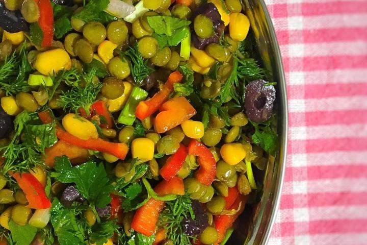 https://yemek.com/tarif/yesil-mercimek-salatasi-5/ | Yeşil Mercimek Salatası Tarifi